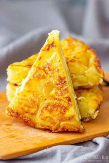 Traditional Spanish Omelette (Tortilla Espanola) - Happy Foods Tube
